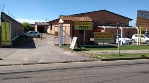 CONDOMÍNIO COM 03 BARRACÕES - SÃO PEDRO, SÃO JOSÉ DOS PINHAI